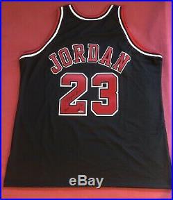 100% Authentic Limited Inscription HOF Michael Jordan Signed Autographed Jersey