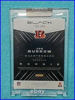 2020 Black Football Joe Burrow Rookie Autograph Sizeable Materials 20 of 25