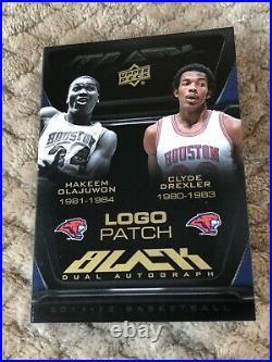 Hakeem Olajuwon Clyde Drexler 2011 UD Black Dual Auto Logo Patch Booklet /25